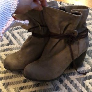 Near perfect condition taupe ankle tie booties